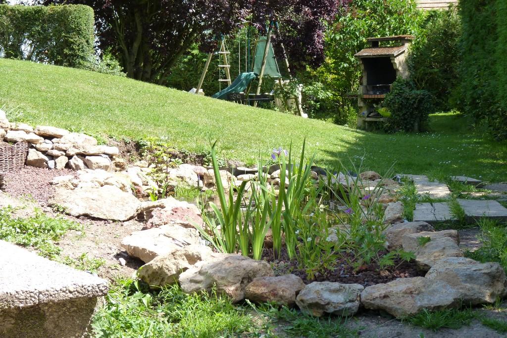 le jardin de triton pi ce d 39 eau au jardin 3 3. Black Bedroom Furniture Sets. Home Design Ideas