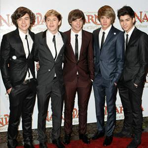 One Direction   Tell Me A Lie Lyrics   Letras   Lirik   Tekst   Text