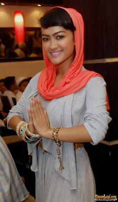 gaya jupe memakai baju muslimah terbaru