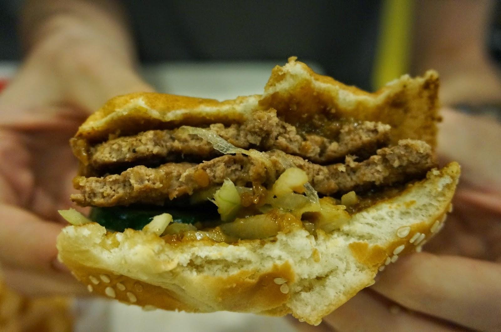 ... World: Shiok Shiok Beef & Chicken Satay Burger - Singapore - July 2014