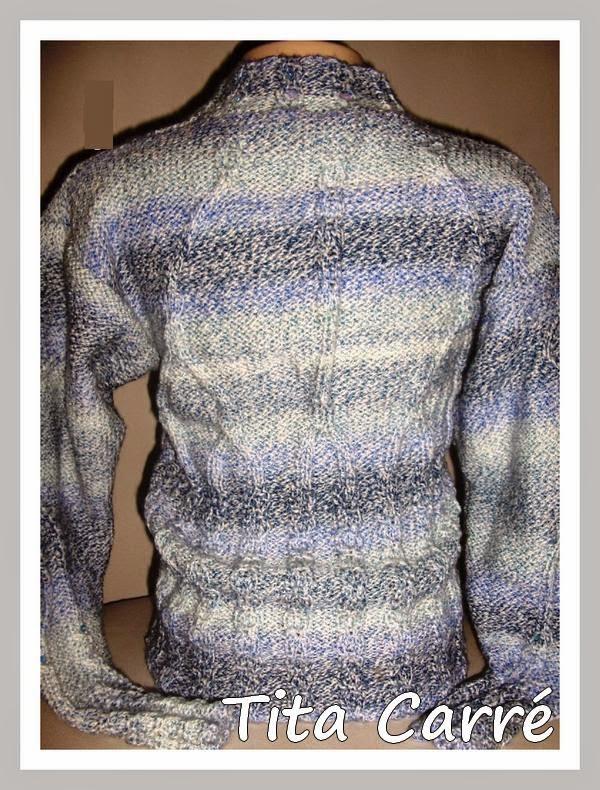 Blusa Tricot em tom sobre tom azul