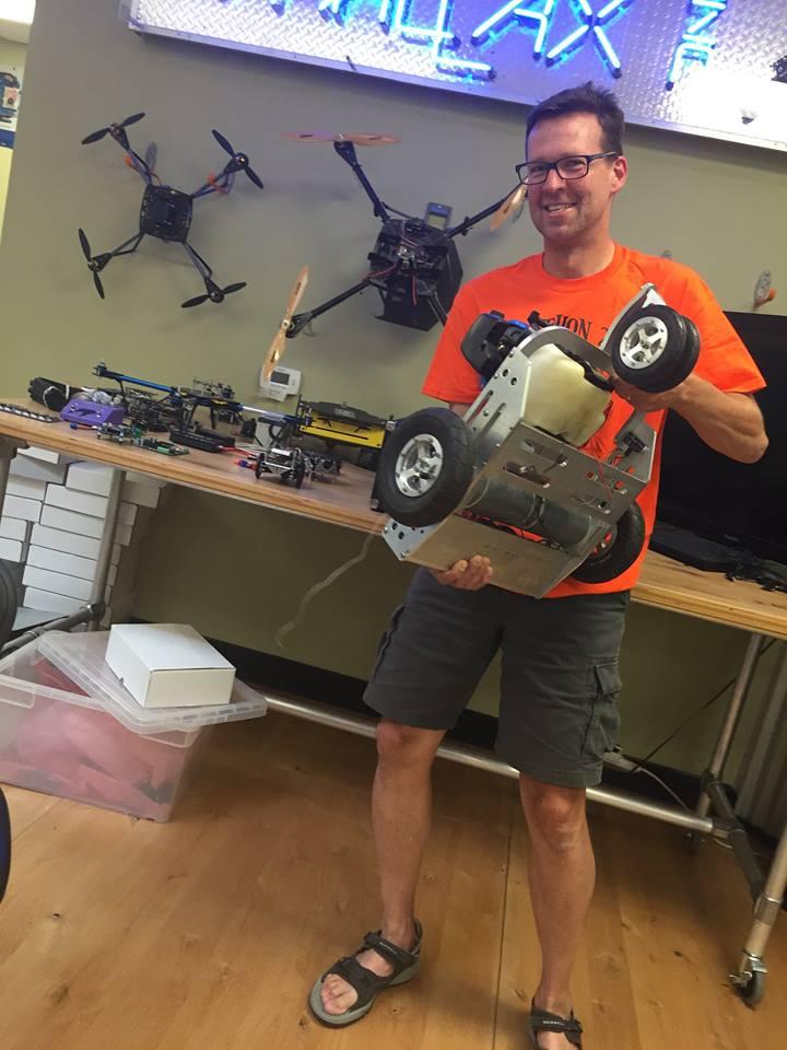 Robotics Under the Stole: Ken Gracey Shows Robothon Spirit!