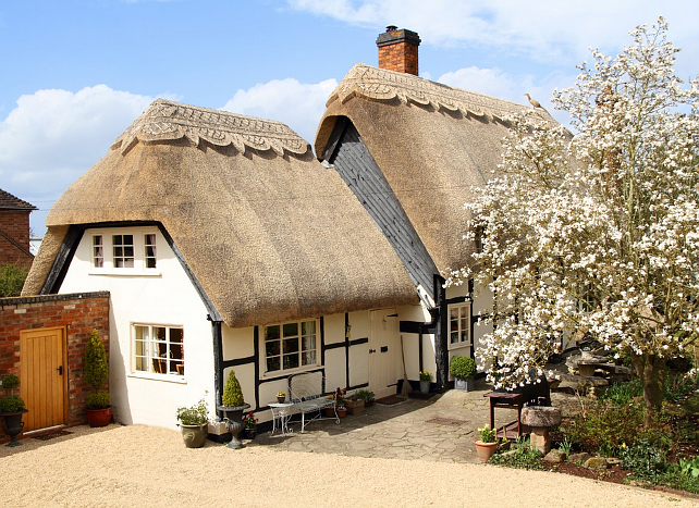 New home interior design thatched cottage - The thatched cottage ...