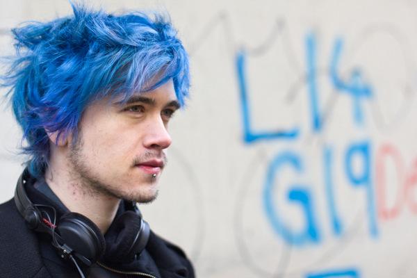 hair men blue