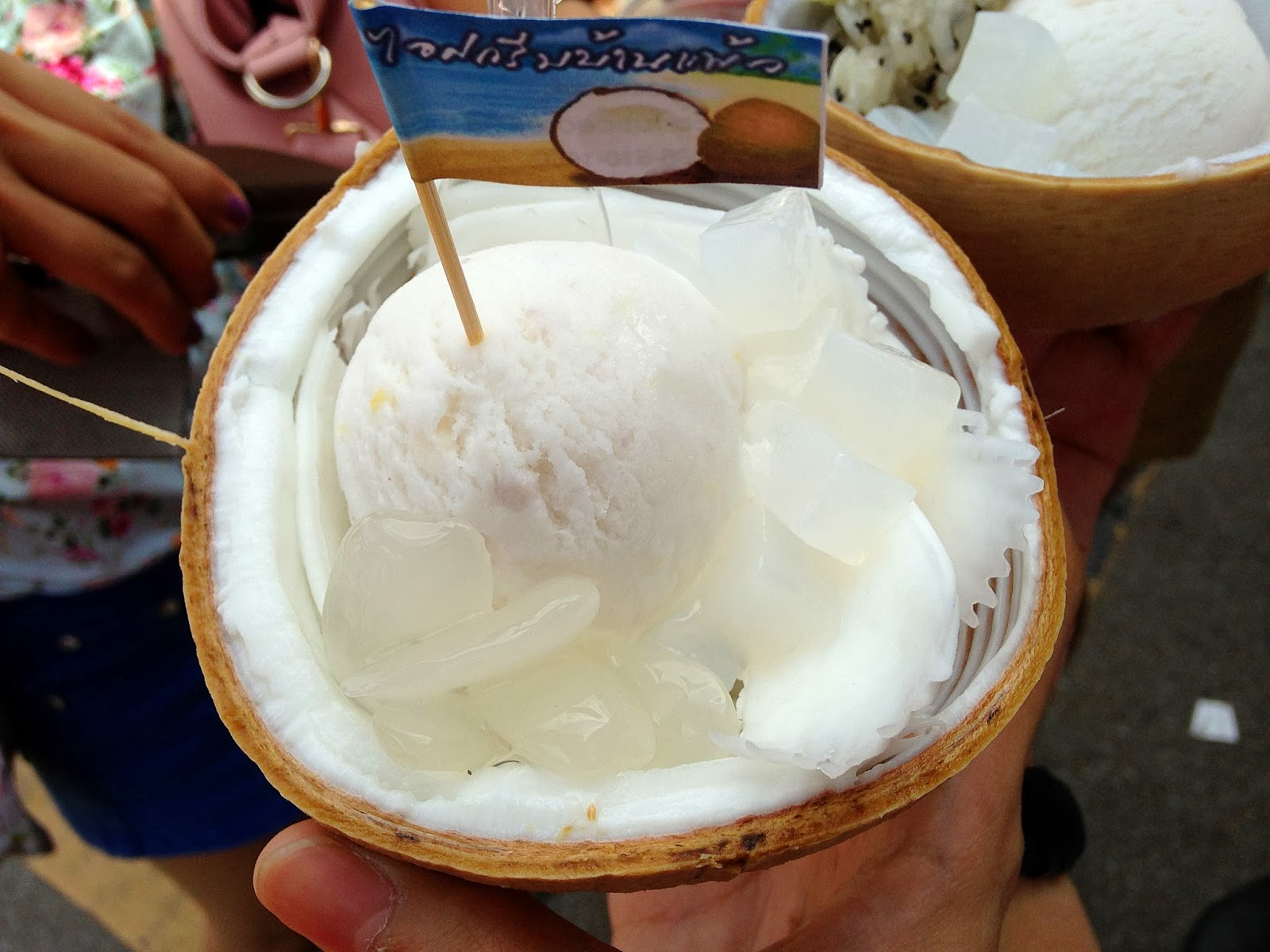 FoodieFC: Coconut Ice Cream at Chatuchak Weekend Market (Thailand ...
