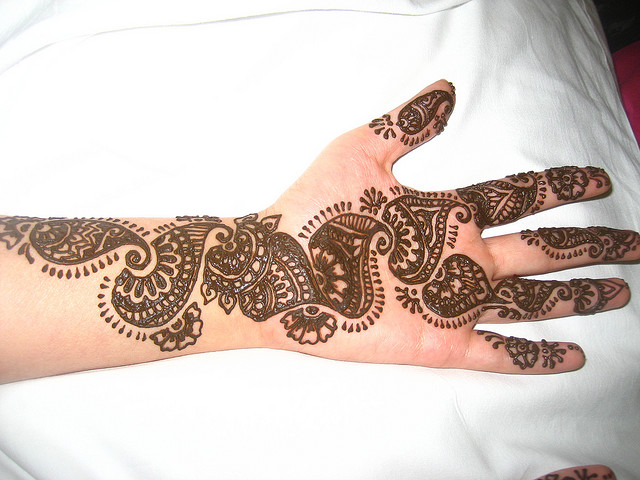Pakistani bridal mehndi designs for hands - photo#11