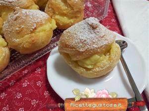 http://www.ricettegustose.it/Biscotti_piccola_pasticceria_html/Bigne_al_cointreau_e_crema_all_arancia.html