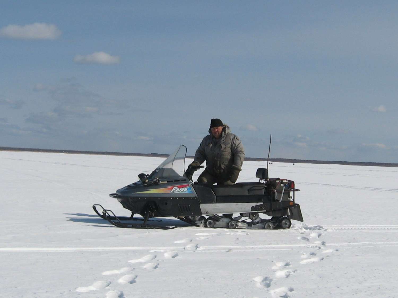 Снегоход Рысь — хороший выбор для зимней рыбалки