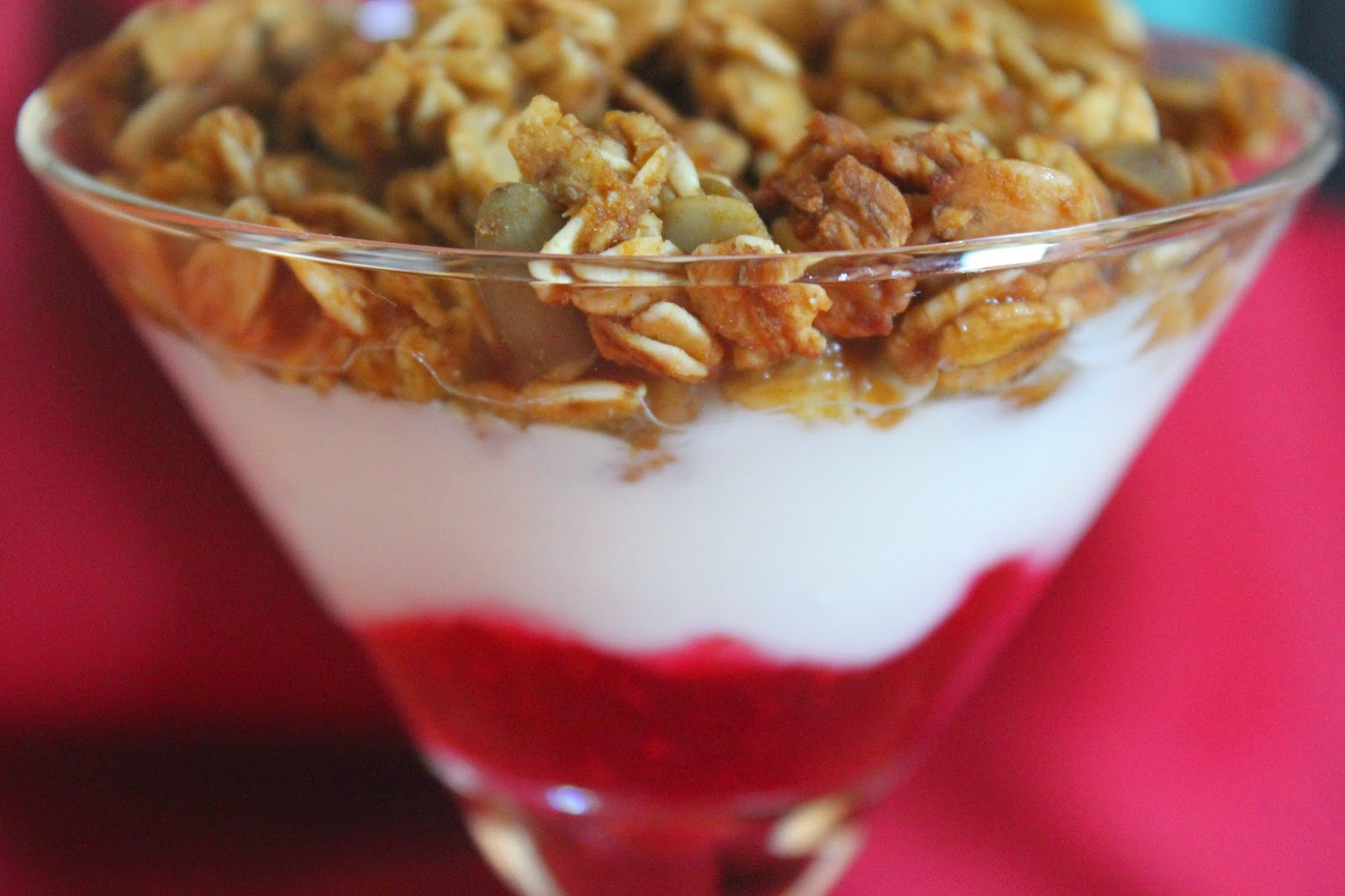 Pumpkin-cranberry yogurt parfaits