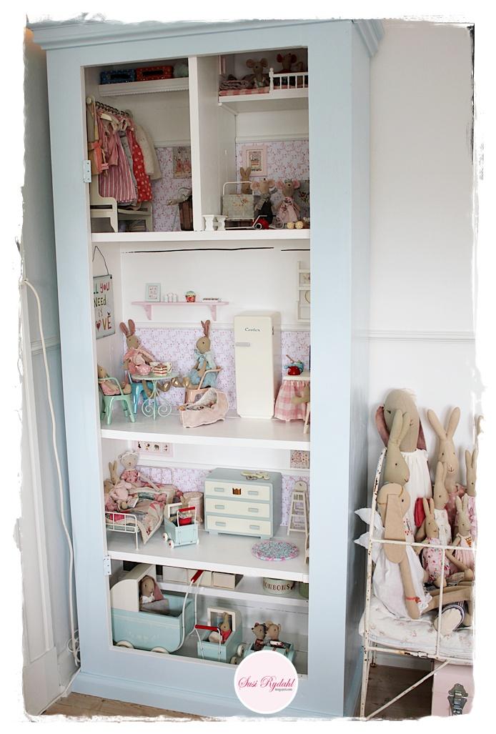 sommerhusliv hele aaret maileg dukkehus til vores barnebarn. Black Bedroom Furniture Sets. Home Design Ideas