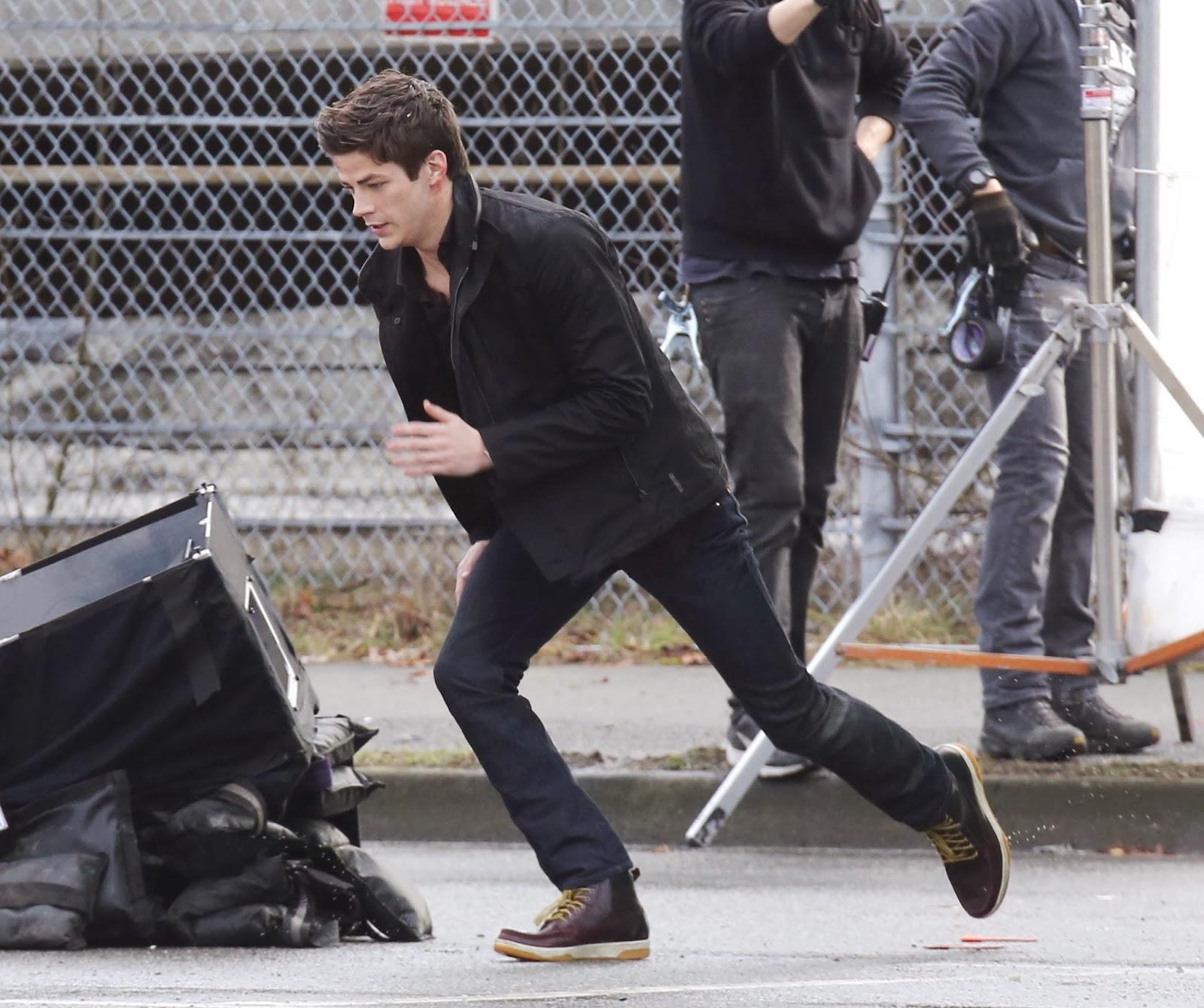 Fotografías de Grant Gustin en el rodaje de The Flash