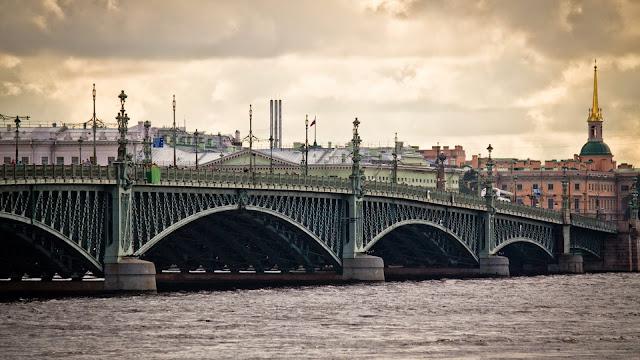 Puente San Petersburgo Rusia