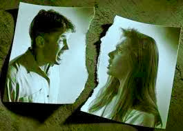 keretakan pernikahan, pertengkaran, perselingkuhan, akibat perselingkuhan