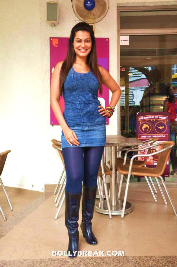 Payal rohatgi posing in blue tights and blue top with black boots -  Payal Rohatgi Brand new photo shoot