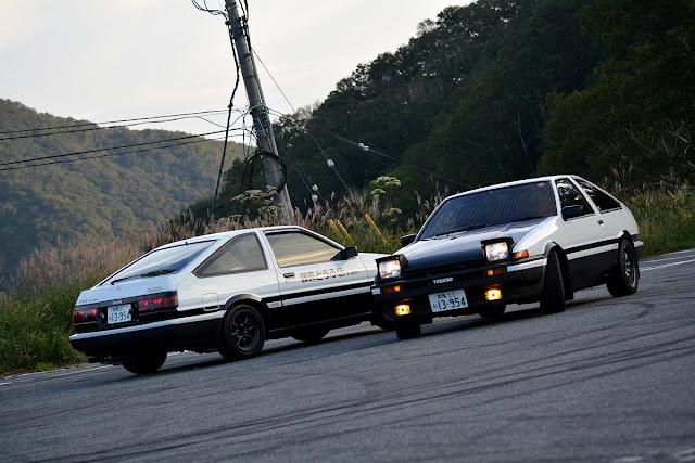 Toyota AE86, legendarny samochód, kultowe auto, hachi-roku, initial d, tofu, JDM, ciekawe samochody, fajne auta