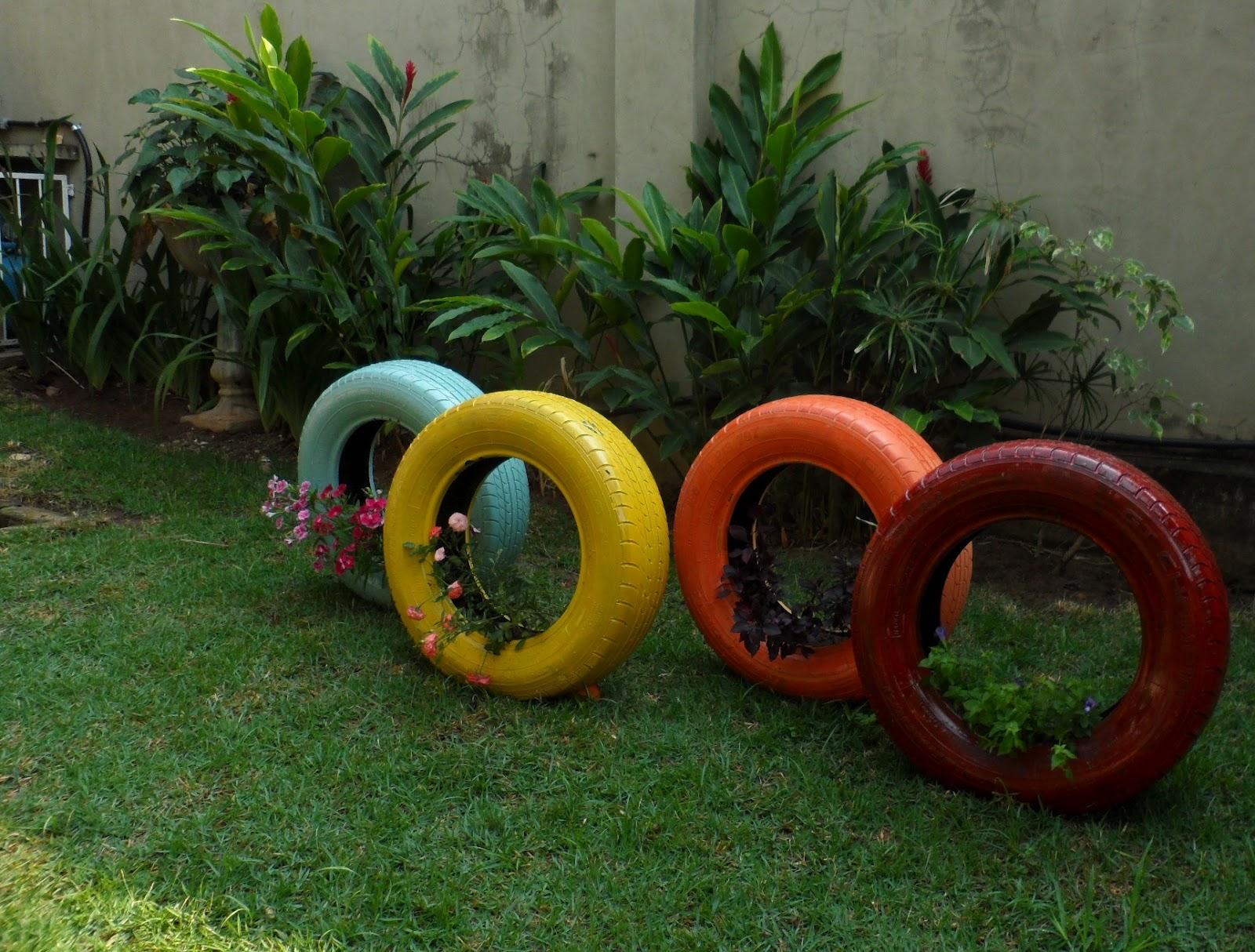 fotos com ideias para usar os pneus velhos da sua casa no seu jardim  #B33918 1600x1214