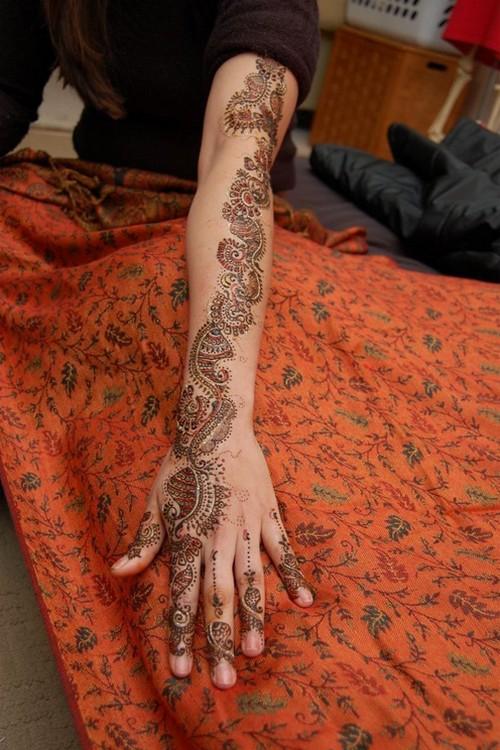 Mehndi Henna Clothes : Bridal dresses mehndi henna tattoo