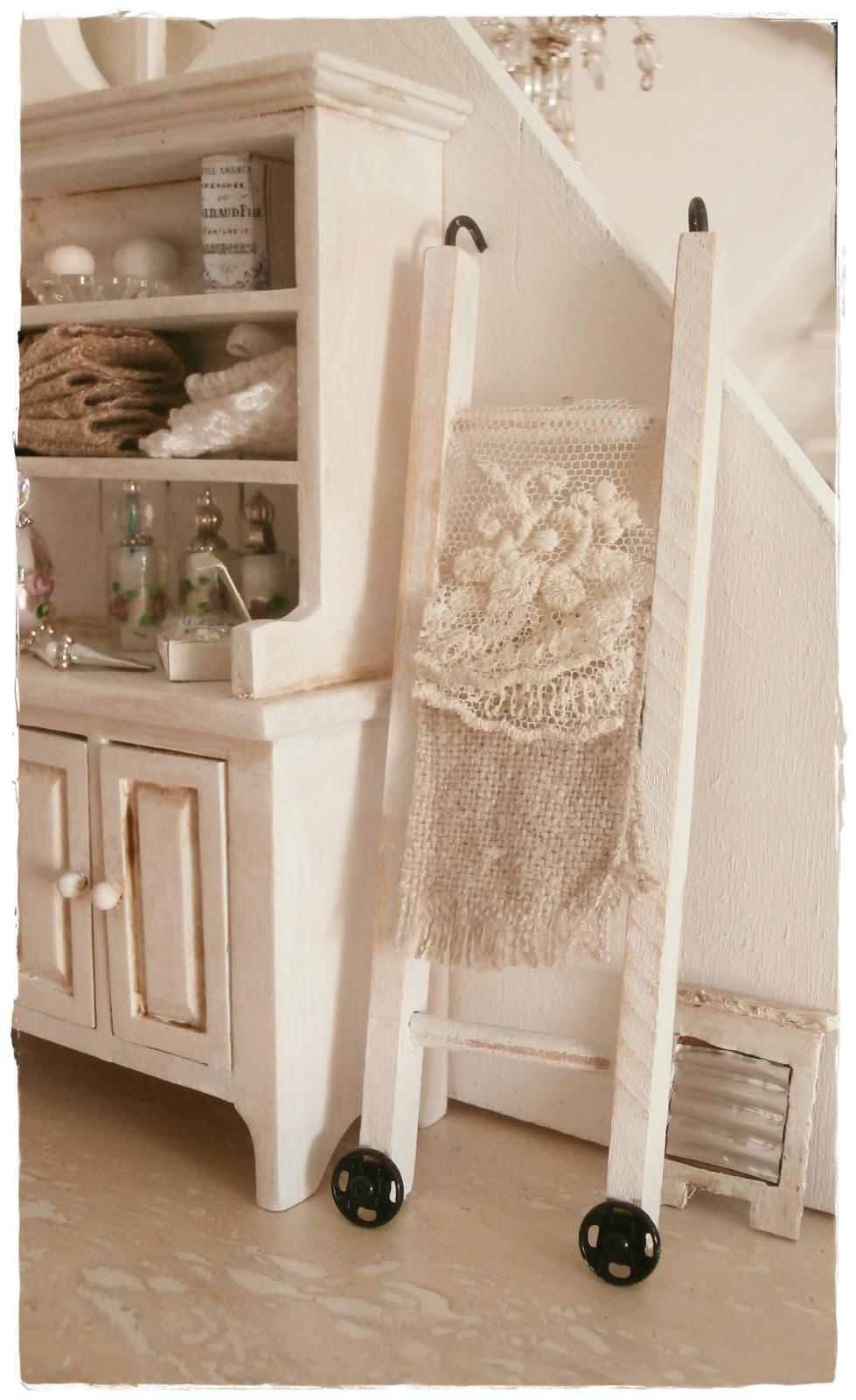 shabby dollhouse ein paar kleinigkeiten. Black Bedroom Furniture Sets. Home Design Ideas