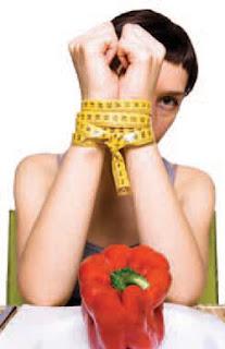 La anorexia es una enfermedad que afecta, sobre todo, a mujeres de edades comprendidas entre los 13 y los 19 años, con un físico agraciado, activas, buenas estudiantes, responsables, aparentemente seguras.
