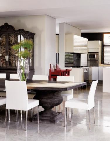 Widok z salonu na otwartą kuchnię