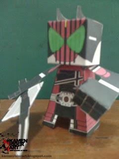 kamen+rider+decade+papercraft+2.JPG