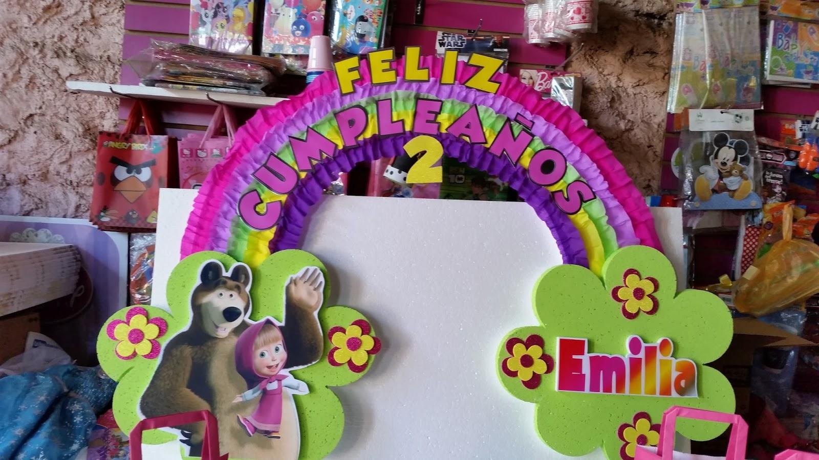 Decoraciones infantiles masha y el oso for Decoracion de pared para cumpleanos