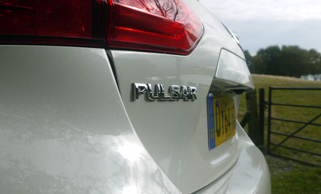 Nissan Pulsar badge