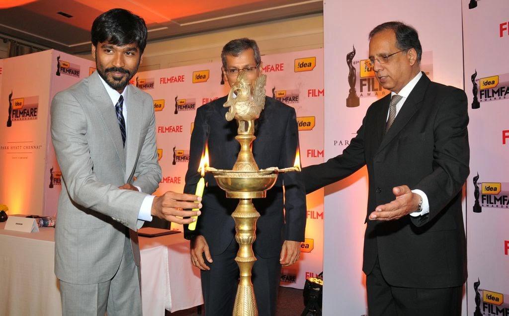 Dhanush at Idea film fare awards-HQ-Photo-15