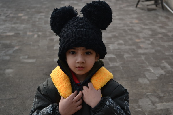 Patent Duck-shape Yellow Backpack Bobble Black Hat