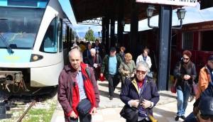 Θέατρο μέσα στο τρένο Κόρινθος-Καλαμάτα