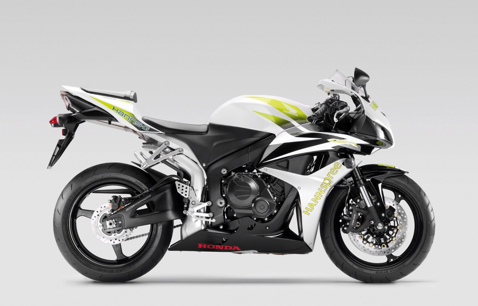 honda cbr 600rr hd wallpapers high definition free background. Black Bedroom Furniture Sets. Home Design Ideas