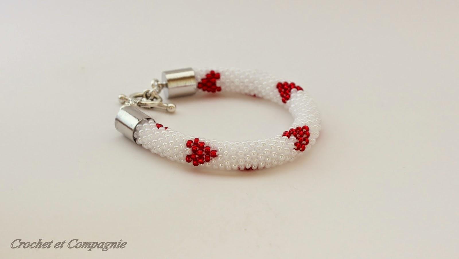 crochet et compagnie bracelet coeurs pour saint valentin. Black Bedroom Furniture Sets. Home Design Ideas
