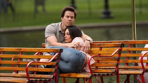 Ted Mark Wahlberg & Mila Kunis