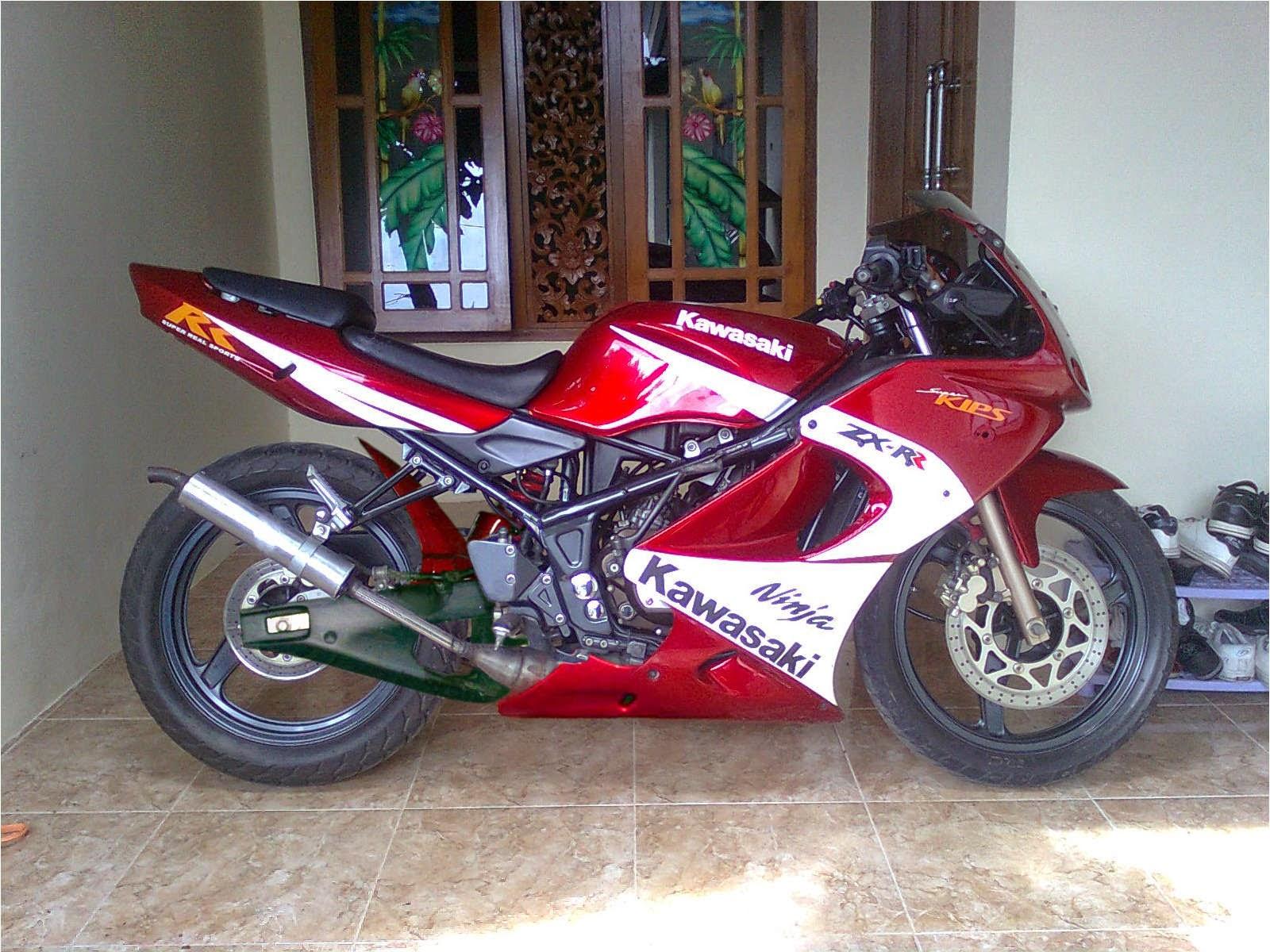 Modifikasi Motor Kawasaki Ninja RR