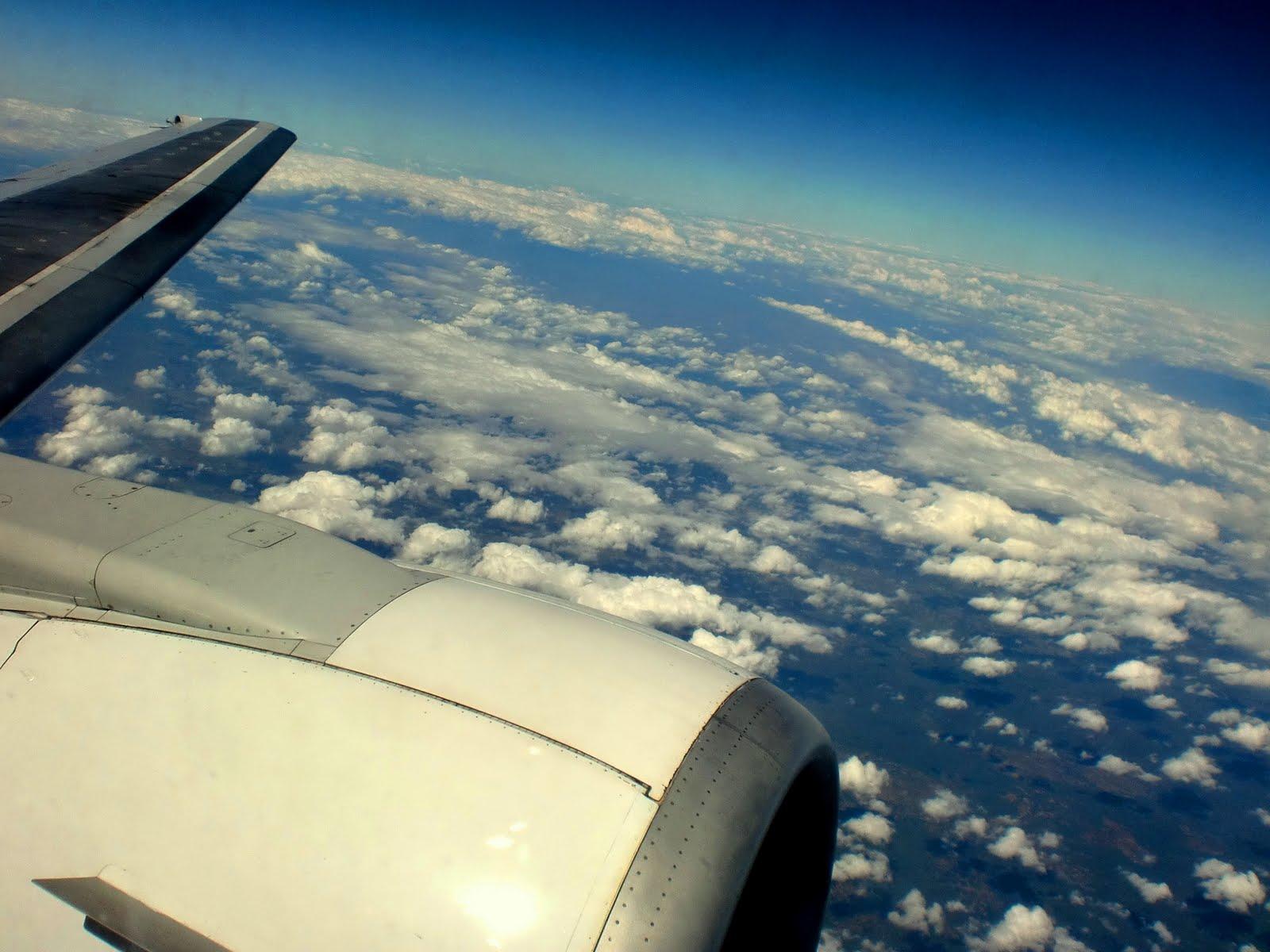 http://3.bp.blogspot.com/-RA2hPXkQKVY/ThwSiTLT6xI/AAAAAAAAApM/0jI-NPNYvN8/s1600/plane2.jpg
