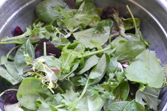 Strawberry-Blueberry-Chicken-Salad-With-Orange-Vinaigrette-Baby-Mixed-Greens.jpg