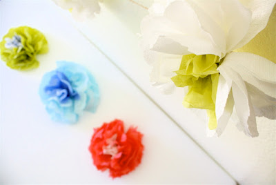 decorar con flores de papel