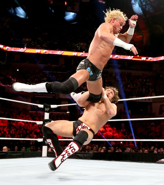 Ryback Bench Press: I LOVE WWE: Daniel Bryan Vs. Dolph Ziggler