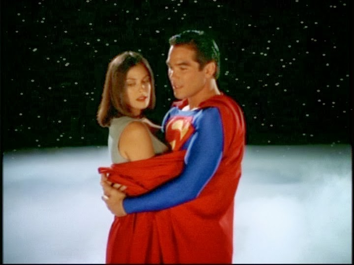 The gallery for --> Teri Hatcher Superman Cape