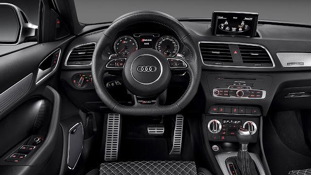 Audi RS Q Model dash
