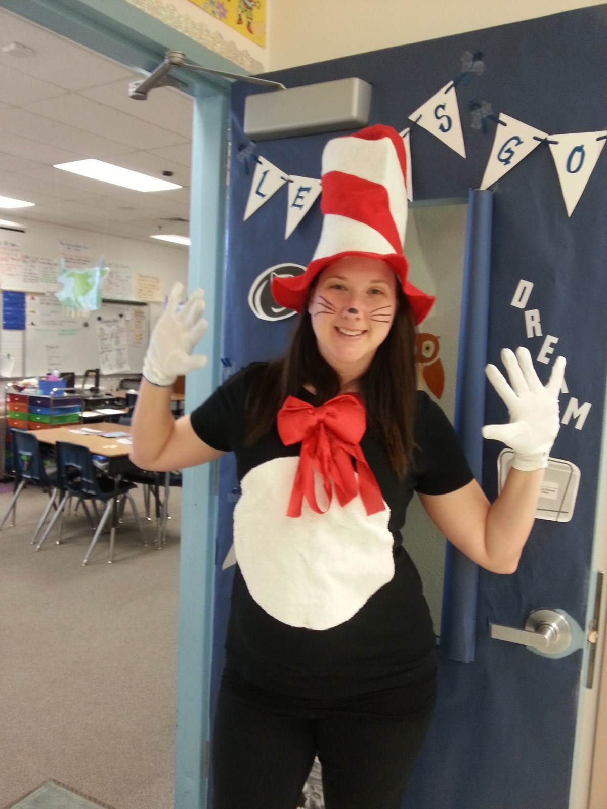 The Cat in the Hat was a completely easy costume but if you have a little more time check out these other ideas!  sc 1 st  Well Michelle? & Well Michelle?: Reading Week Costume Ideas!