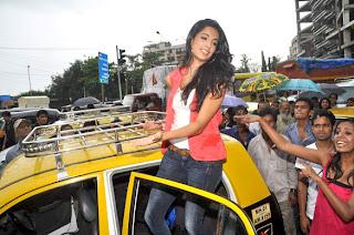 Sarah Jane Dias promotes her movie 'Kyaa Super Kool Hain Hum'