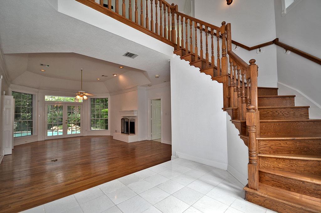 Gallart grupo el blog suelos y puertas de madera en for Escaleras de madera interior precio