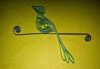 desain sederhana burung dari kertas bekas dengan teknik quilling