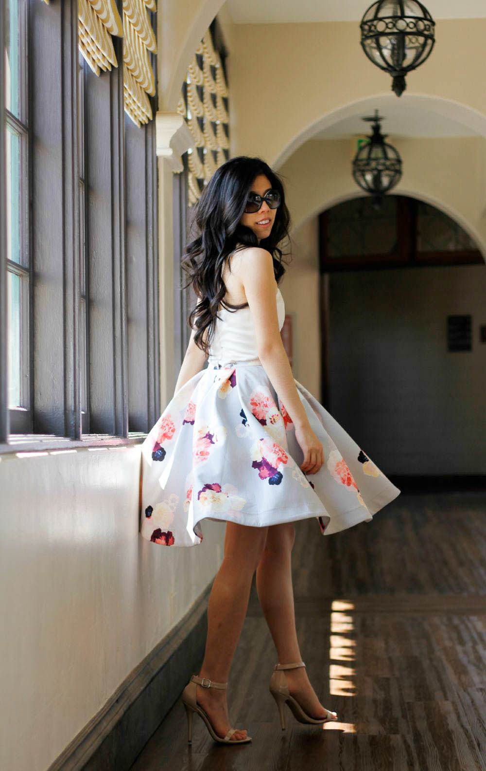 how to look classy in a floral skirt