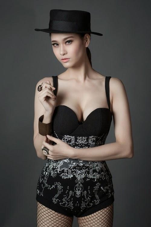 Ca sỹ Việt hãy kiệm vải một cách văn minh!