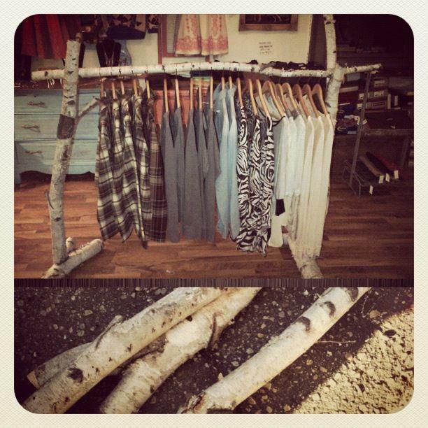 Ideas diferentes para colgar tu ropa inspiration - Colgador de ropa de pie ...
