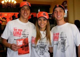 María Grazia Gamarra con Sasha y Andres en We Run Lima