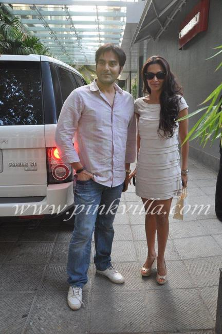 malaika arora khan sexy hair and hot legs - (5) -  Arbaaz Malaika go to see Shilpa shetty at hospital