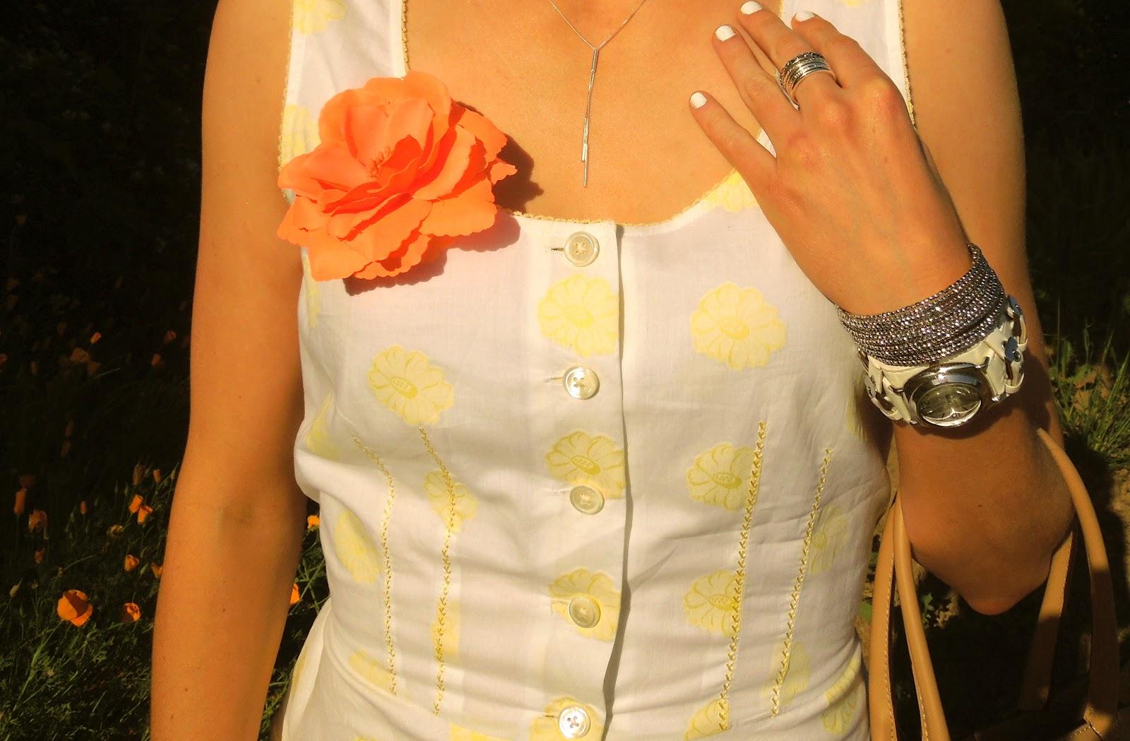 yellow dress nail polish clip